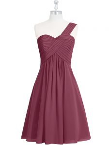 Simple One Shoulder Sleeveless Pageant Dress for Womens Knee Length Ruching Burgundy Chiffon