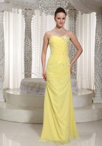 Nice Sweetheart Floor-length Ruched Yellow Chiffon Pageant Dress with Beading