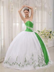 Pretty Sweetheart Pageant Dress Patterns in Green and White with Embroidery
