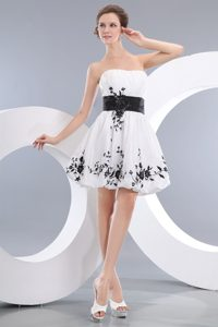 Beautiful White A-line Zipper-up Short Taffeta Pageant Dress with Appliques