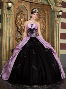 Ball Gown Taffeta Appliqued Pageant Dresses for Miss World in Lavender