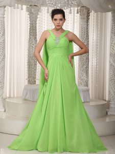 Classical Princess V-neck Watteau Interview Pageant Suits in Spring Green