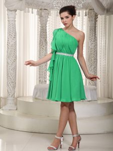 One Shoulder Knee-length Spring Green Ruched Chiffon Pageant Dress with Belt