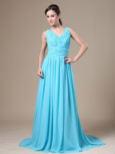 Elegant Aqua Blue V-neck Beauty Pageant Dresses with Ruche in Chiffon