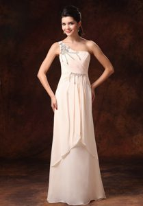 Champagne Stylish One Shoulder Chiffon Pageants Dresses with Beading