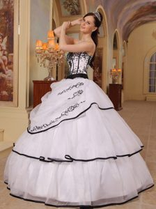 Beautiful White Ball Gown Strapless Organza Embroidery Pageant Dresses