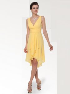Discount Chiffon V-neck Sleeveless Zipper Ruching Evening Gowns in Yellow